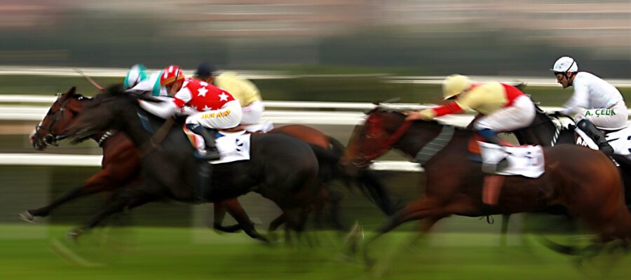 an image of horse racing at royal ascot