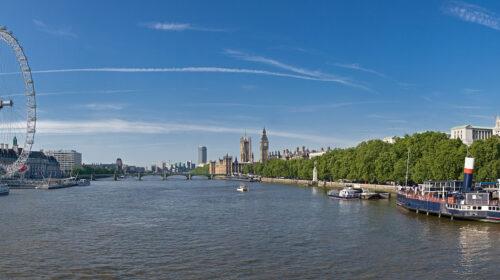 Christmas River Cruise + Pie & Mash – London